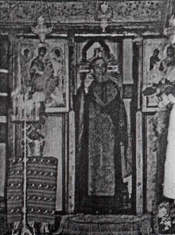 pr. Alexie in biserica 1