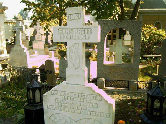 "PARINTELE IULIAN STOICESCU (+30 septembrie 1996) &#8211; <i>""UN CALUGAR CU FAMILIE""</i>. Marturia sotiei despre CREDINTA NELIMITATA, PERSECUTIA COMUNISTA si VIATA DE FAMILIE a unui preot sfant. <i>&#8220;Am binecuvantat ceasul in care ni l-a trimis Dumnezeu in inchisoare, sa stea cu noi!&#8221;</i>"