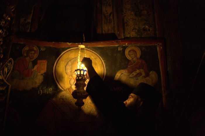 CEARTA CRESTINULUI CU LUMEA: Incorporand lumea sau intrupand Evanghelia?