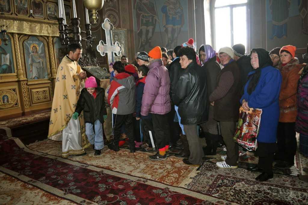 Preotul din Glodeanu biserica familii sarace