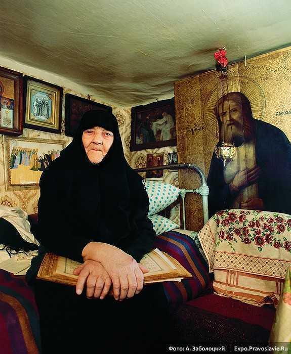SCHIMONAHIA MARGARETA (Maica Eufrosina) – ultima supravietuitoare a vechiului DIVEEVO, prin care s-a implinit o proorocie a SFANTULUI SERAFIM DE SAROV, dupa mai bine de 150 de ani <i>(si VIDEO)</i>