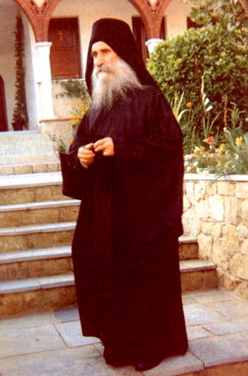 """STARETUL EVSEVIE (EUSEBIU) GIANNAKAKIS (†19 iunie) – 20 de ani de la nasterea in cer a duhovnicului chemat sa slujeasca printre cei doborati de suferinta ca un <i>""""INGER AL MANGAIERII""""</i>, pana ce <i>""""A DEVENIT UNA CU DUREREA, ACEEASI FRAMANTATURA…""""</i>"""