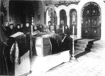 Accueil des cercuils de mère Élisabeth et de soeur Barbara