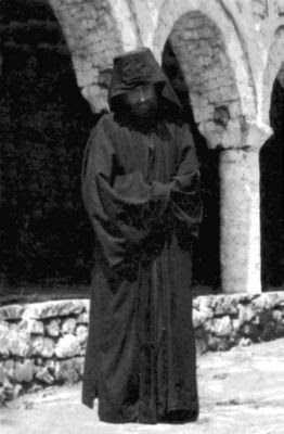 Sfantul-Cuvios-Parinte-Paisie-Aghioritul-la-Sfanta-Manastire-Stomio