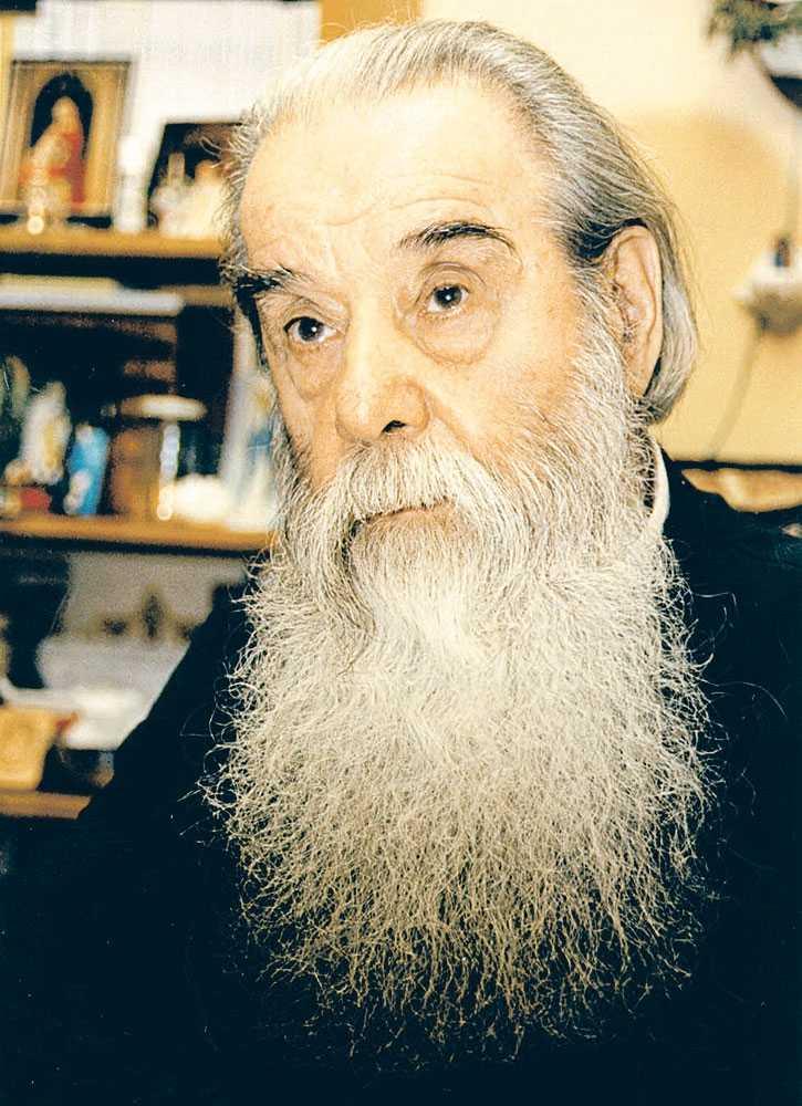 preotul-galeriu-portret_0_w725_h1000_q100
