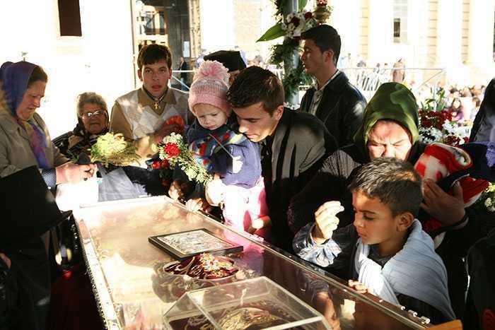 Iaşii Sfintei Parascheva, o cetate a rugăciunii