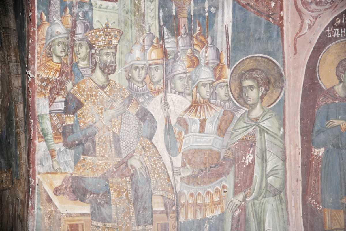 Predica Mitropolitului Pavlos de Drama la sarbatoarea Sfantului Mare Mucenic Dimitrie, Izvoratorul de Mir: <i>&#8220;O, OMULE, OPRESTE RAZBOIUL IMPOTRIVA BISERICII!&#8221;</i> &#8220;Sfantul Dimitrie a schimbat dregatoriile lumesti cu valori duhovnicesti neclintite, in timp ce NOI, ASTAZI, RENUNTAM LA ORICE VALOARE PENTRU O DREGATORIE INALTA&#8221; (audio, video, text)