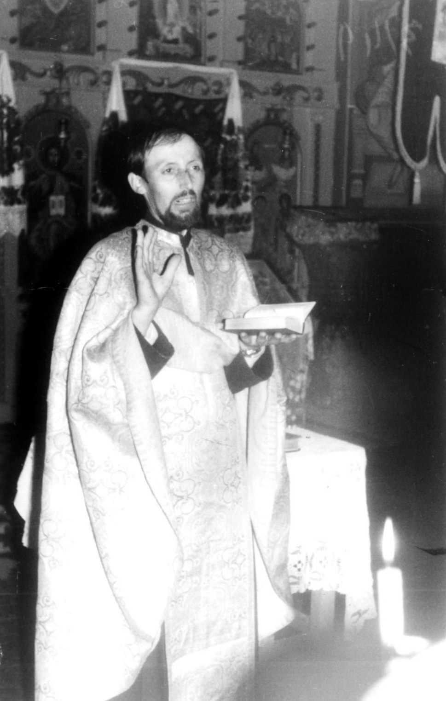 "PARINTELE GAVRIL DE LA NICULA si CUBLESUL SOMESAN, preot misionar cu viata sfanta al vremii noastre (†1 oct. 1988): <i>""UNDE NU ESTE ALTAR SI JERTFA, NU DOVEDIM PREZENTA LUI DUMNEZEU"", ""Stii tu inaintea Cui stam?! Aminteste-ti mereu ca stam inaintea lui Dumnezeu. SA TRAIM PREZENTA LUI DUMNEZEU""</i>"