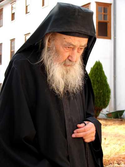 Petroniu Tănase, un părinte cu totul îngeresc