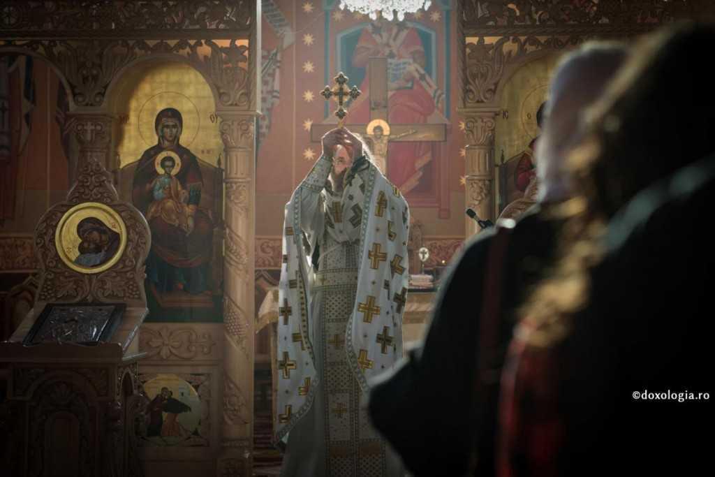 preot-altar-foto-oana-nechifor
