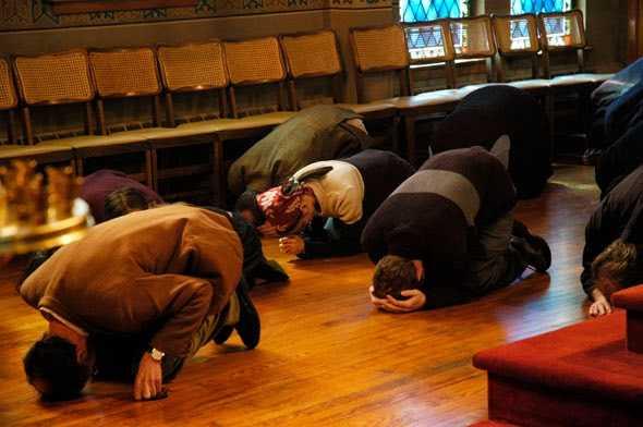 METANIILE IN POSTUL MARE. Ce semnifica? De ce e nevoie sa implicam si trupul in rugaciunea de pocainta?