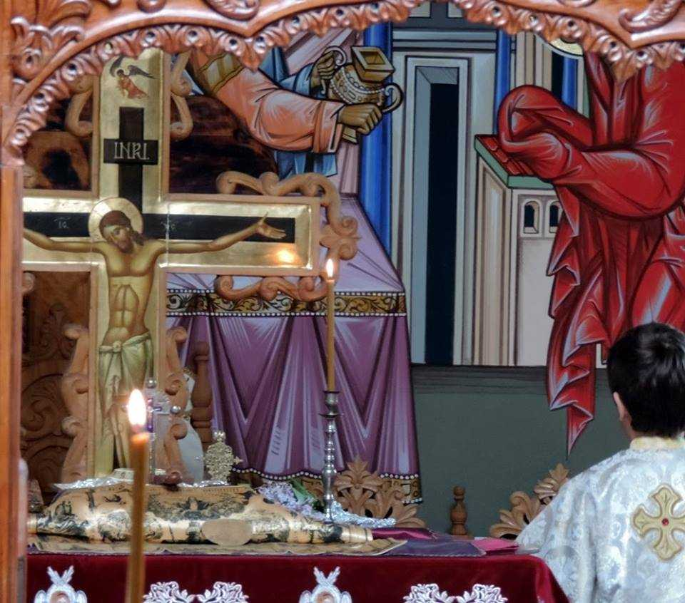 crucea din altar - rastignire