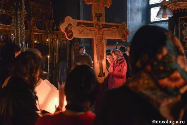 PATIMA SI PATIMIRE. Cum sa traim Deniile pentru A SIMTI CU ADEVARAT INVIEREA? <i>&#8220;Dacă vrem ca Învierea lui Hristos să devină învierea noastră, asta e singura cale, să trăim LĂUNTRIC evenimentele Săptămânii Mari&#8221;</i>