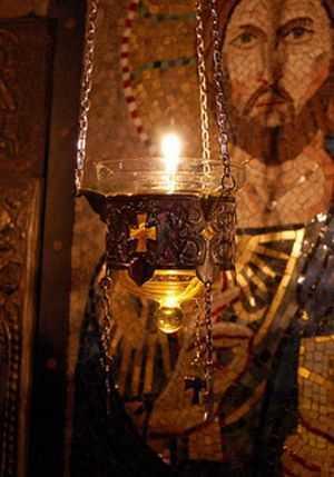 Arhim. Paisie de la Hilandar: <i>&#8220;ROAGĂ-TE ȘI NU ÎNCETA SĂ TE ROGI! INGRĂDEȘTE-TE CU RUGĂCIUNEA! Dacă omul nu face din rugăciune ritmul vieţii sale, sunt mici şansele să iasă biruitor din luptele duhovniceşti&#8221;</i>