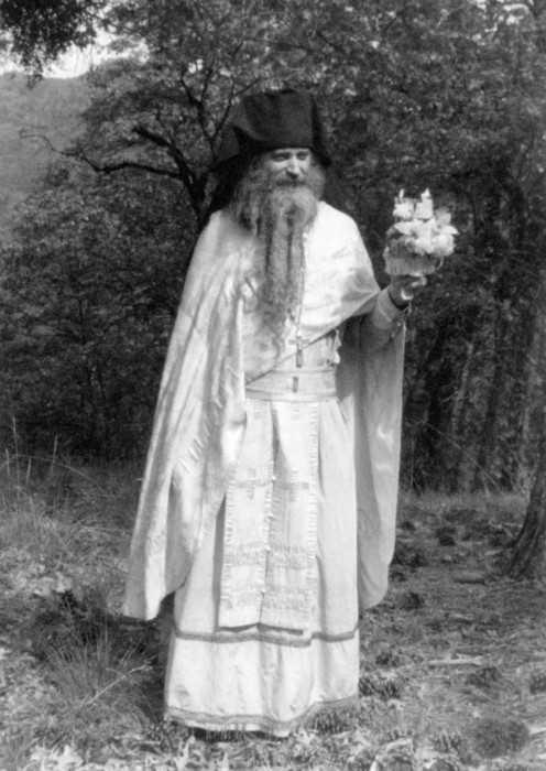 Părintele Serafim Rose în schitul Lindisfarne, Săptămâna Luminată, anul 1978