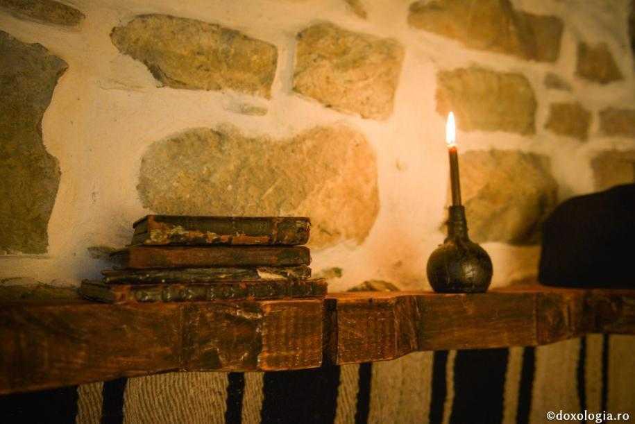 CÂND DUHUL SE STINGE şi sporim doar în cunoaşterea raţională, lumească&#8230; <i>&#8220;UNDE SĂ AFLĂM HARUL ÎN VREMURILE NOASTRE COMODE? Harul iubeşte truda jertfei, pe când epoca noastră iubeşte confortul&#8221;</i>