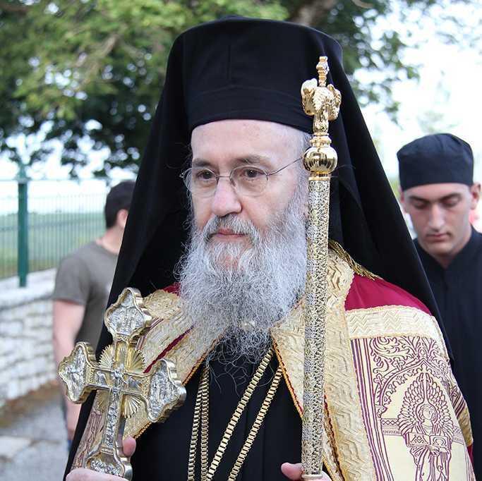 CUM SE FACE MARTURISIREA LUI HRISTOS? Vladica IEROTHEOS VLACHOS despre conditiile teologhisirii veritabile, RAVNA FARA CUNOSTINTA, EXPERIENTA DUHOVNICEASCA si DEOSEBIREA DUHURILOR. <i>&#8220;Cineva poate sa para si sa actioneze ortodox, si totusi sa fie stapanit de o INSOLENTA DEMONICO-LUCIFERICA si, in esenta, sa-si promoveze propriile patimi&#8221;</i>