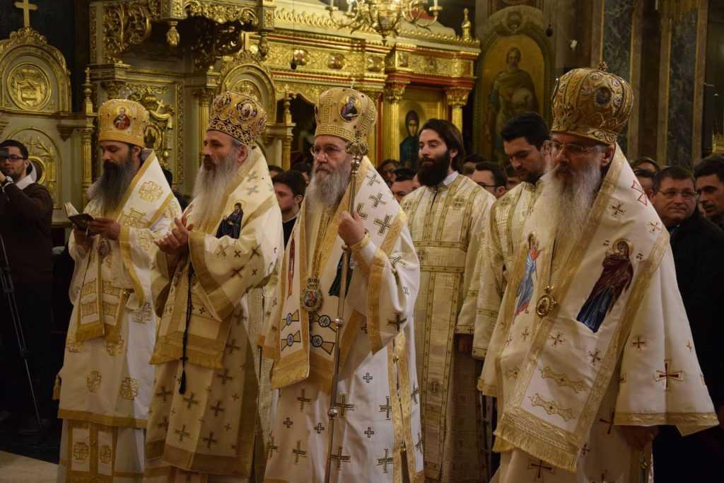 01-arhierei-liturghie-13noiembrie