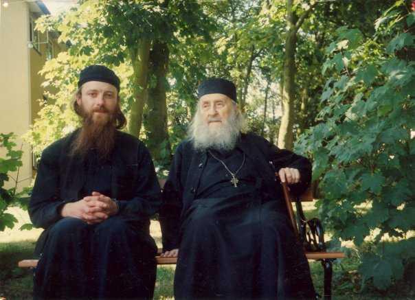 Amintirile Ierom. MELCHISEDEC de la Mănăstirea ESSEX despre PĂRINTELE SOFRONIE SAHAROV: <i>&#8220;Cuvântul, azi, și-a pierdut puterea sa. Nu puteți să convingeți prin scris. Numai prin viață!&#8221;</i> (VIDEO)