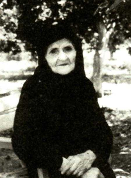 """""""Bunica"""" LAMBRINI VEȚIOS (†17 octombrie 2002) – VIAȚA MINUNATĂ A UNEI SFINTE CĂSĂTORITE DIN ZILELE NOASTRE, dăruită cu mari harisme și viziuni duhovnicești. EXPERIENȚA CUTREMURĂTOARE A IADULUI ȘI A RAIULUI, întâlnirea cu Maica Domnului și cu îngerul păzitor, SFATURI DUHOVNICEȘTI: <i>""""Te‑ai hotărât să te căsătoreşti? Vei face răbdare, şi nu puţină, ci multă""""</i> (I)"""