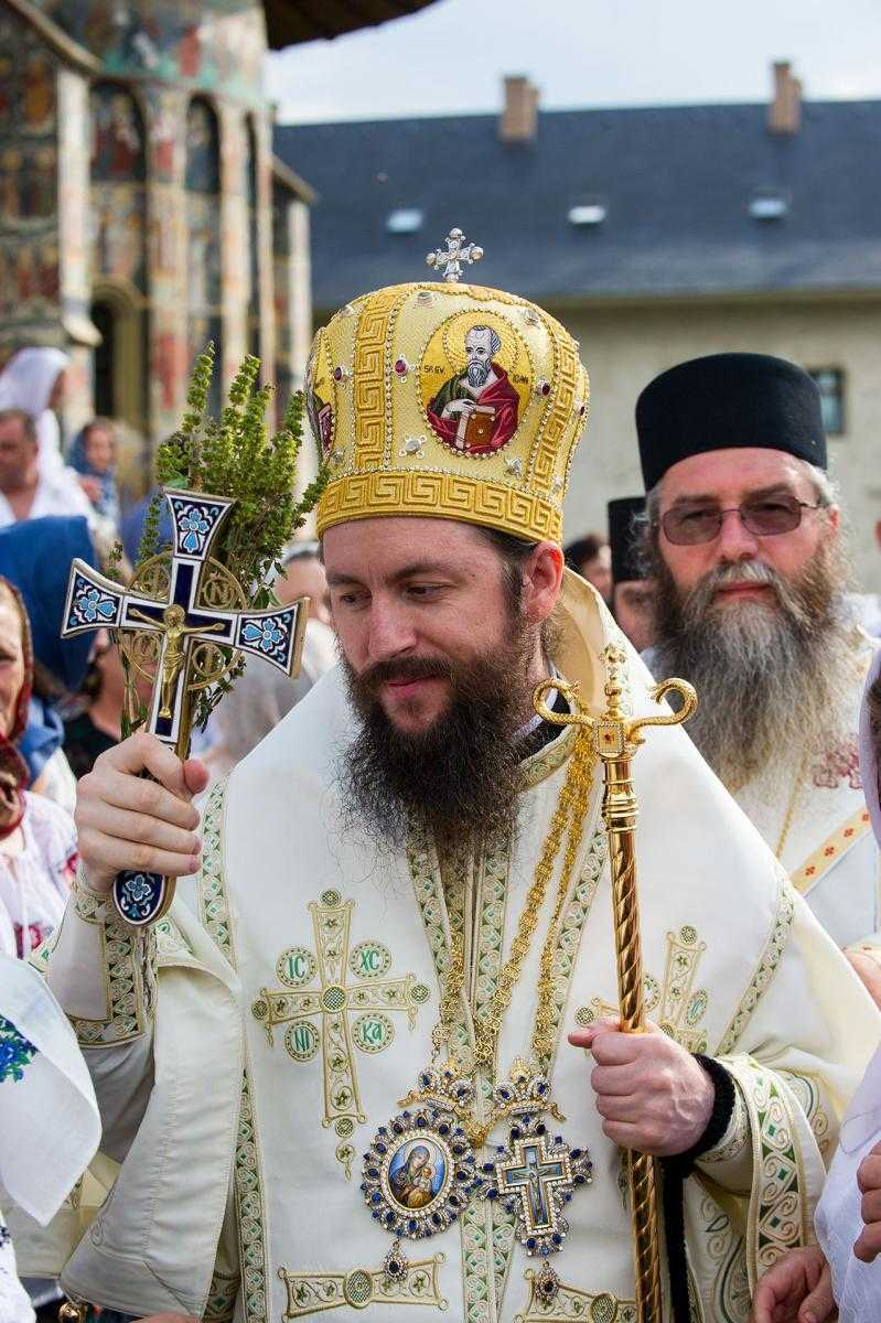"""<i>&#8220;Purtaţi-vă sarcinile unii altora!""""</i>. PREASFINȚITUL DAMASCHIN DORNEANUL, pentru &#8220;Familia ortodoxă&#8221;, despre ETAPELE IUBIRII APROAPELUI CARE NE-A RĂNIT, lupta cu rutina și pentru (re)dobândirea Duhului, &#8220;SENSIBILITATEA&#8221; HARULUI, NEVOIA DE ADÂNCIRE A POCĂINȚEI și roadele acestei lucrări: <i>&#8220;Să ne pocăim şi pentru cele pe care noi înşine le-am lucrat împotriva familiei&#8221;</i>"""
