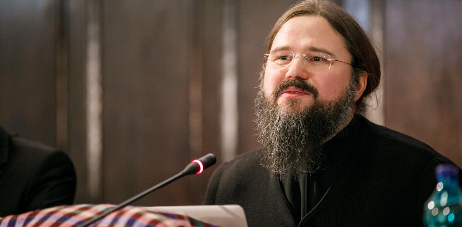 """BUNĂTATEA – VIRTUTEA UITATĂ A CREȘTINILOR (conferința video de la Iași a PS MACARIE, Episcopul Europei de Nord). RĂCIREA IUBIRII ÎN VREMEA """"VIRTUȚILOR"""" INDIVIDUALISMULUI: <i>eficiența, competiția, realizarea de sine, succesul…</i>. SACRIFICAREA APROAPELUI PE ALTARUL IDOLILOR LUMEȘTI"""