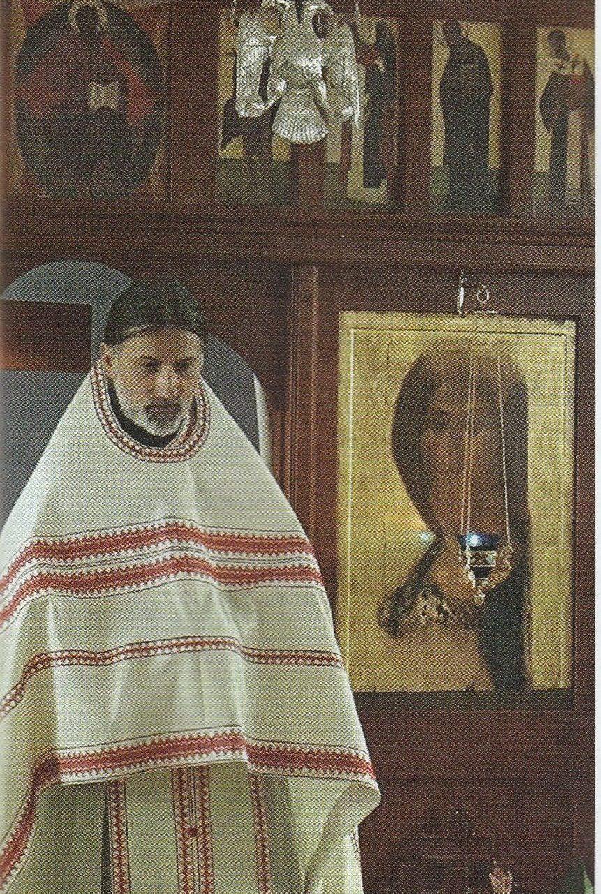 """DEZ-AMĂGIRILE NECESARE ALE REFERENDUMULUI """"PICAT"""". Părintele Ciprian Grădinaru (Belgia) în revista """"Familia ortodoxă"""" (I): <i>""""Constatăm o întunecare a conştiinţei greu întâlnită la o asemenea scară în istoria omenirii până astăzi. E CU ADEVĂRAT UN RĂZBOI AL SFÂRȘITULUI LUMII. S-ar cuveni să ne trăim cu mai multă durere și cu trezvie viețile""""</i>"""