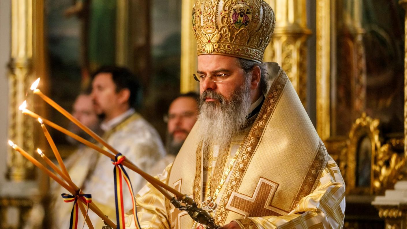 """SA REDEVENIM OAMENI PENTRU OAMENI! Preasfinţitul Părinte Episcop Ignatie al Huşilor – PASTORALĂ DE NAȘTEREA DOMNULUI: <i>Crăciunul – dreptul omului de a-şi regăsi demnitatea pierdută</i> VS. IMPOSTURA IDEOLOGICĂ A DREPTURILOR FĂRĂ RESPONSABILITĂȚI – <i>""""Drepturile copilului împotriva părinţilor, drepturile elevului împotriva profesorilor, drepturile minorităţii împotriva majorităţii""""</i>"""