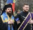 "<i>""EXPERIENTA LUI DUMNEZEU iti da curajul de a trai, dar si CURAJUL DE A MURI. Ortodoxia se invata in Biserica si IN GENUNCHI""</i>. Cuvinte puternice si de actualitate, in VREMEA SPAIMELOR MORTII, ale PREASFINTITULUI BENEDICT VESA, la Duminica Ortodoxiei si la pomenirea martirilor anticomunisti (VIDEO, TEXT): <i>""Mantuirea este DE DIMINEATA PANA SEARA""</i>"