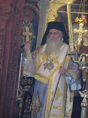 """Predica MITROPOLITULUI NEOFIT DE MORFOU din prima duminica de dupa inchiderea bisericilor si in Cipru: <i>""""Iata acum ocazia SA DEVENIM BISERICA DE ACASA! SA NE RUGAM IMPREUNA! De ce avem nevoie, azi si maine si in viitorul apropiat, este MINUNEA. Aceasta boala va trece, ALTA VA VENI, alte probleme MAI MARI DECAT BOALA VOR VENI, dar am impresia ca această FRICA nu va trece usor din inimile oamenilor""""</i>"""