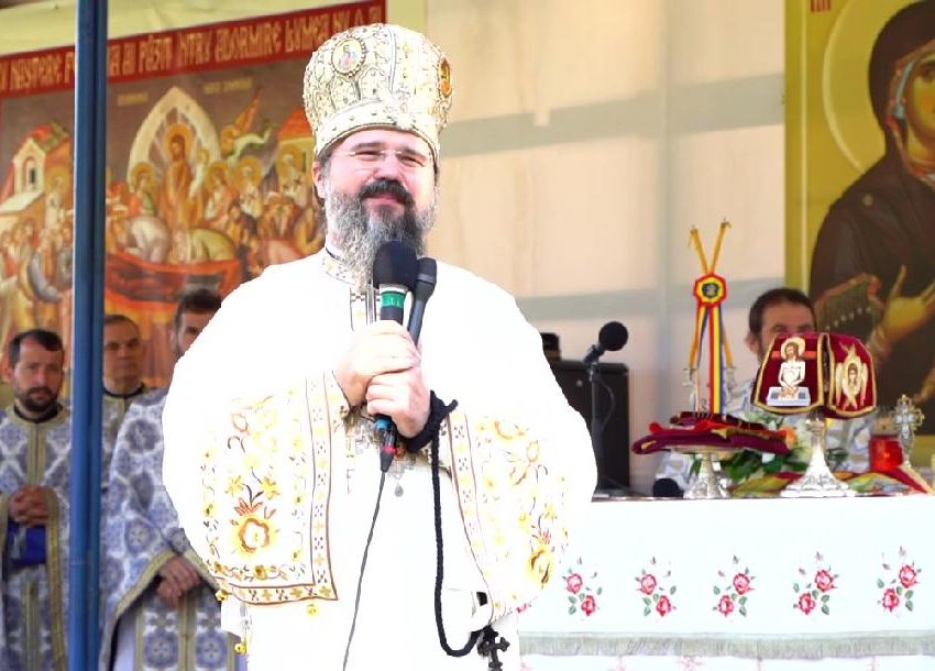 """PS MACARIE la Mănăstirea Nicula, despre ADĂPOSTIREA ORFANILOR LUMII SUB """"ARIPILE"""" MAICII DOMNULUI, """"marșul mândriei"""" din ajunul Sărbătorii și EDUCAȚIA SEXUALĂ ÎN ȘCOLI: <i>""""Este un atentat la firescul și inocența copilăriei, este URÂCIUNE înaintea lui Dumnezeu!""""</i> (VIDEO, TEXT)"""