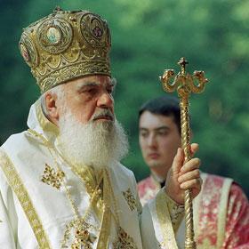 "Biruinta adevarului si traditiei ortodoxe in Sinod: litera ""s"" din statut – modificata, stavropighiile reglementate in duh ortodox!"