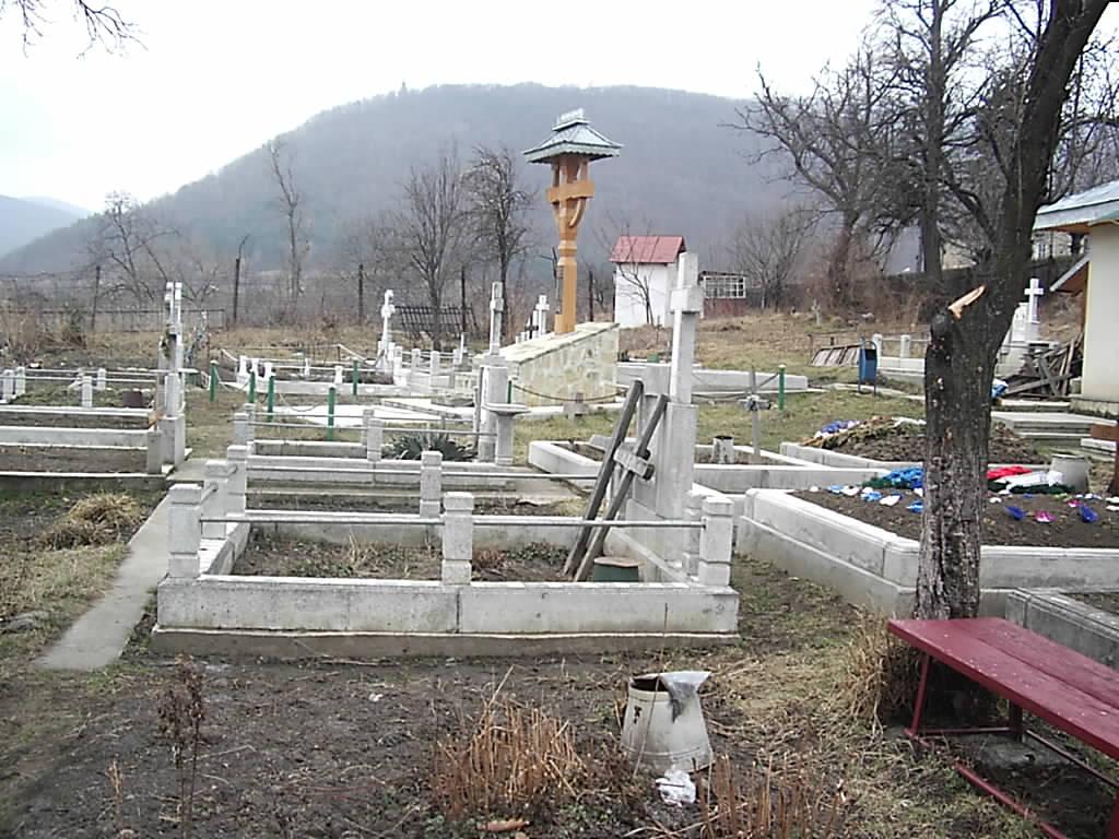 cimitir-tg-ocna-valeriu-gafencu.jpg